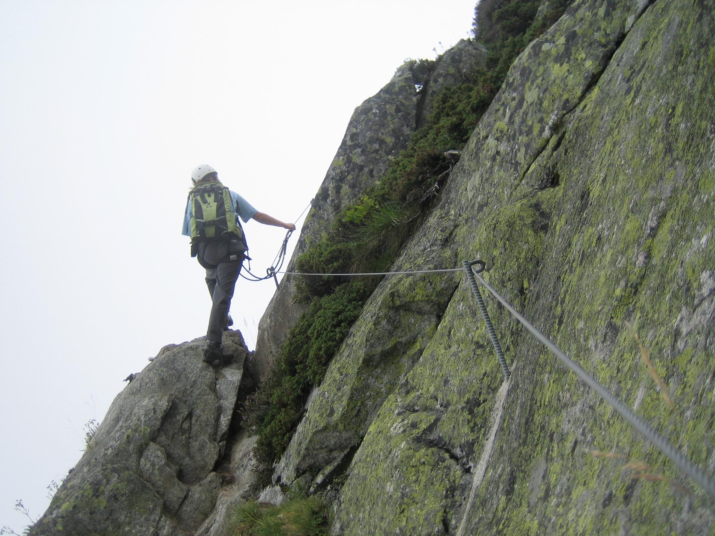 Klettersteig Andermatt : Diavolo klettersteig am granitfelsen der schöllenen schweiz